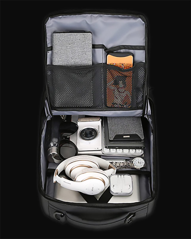 KarmaGear - Compacto-Pro USB Charging Backpack